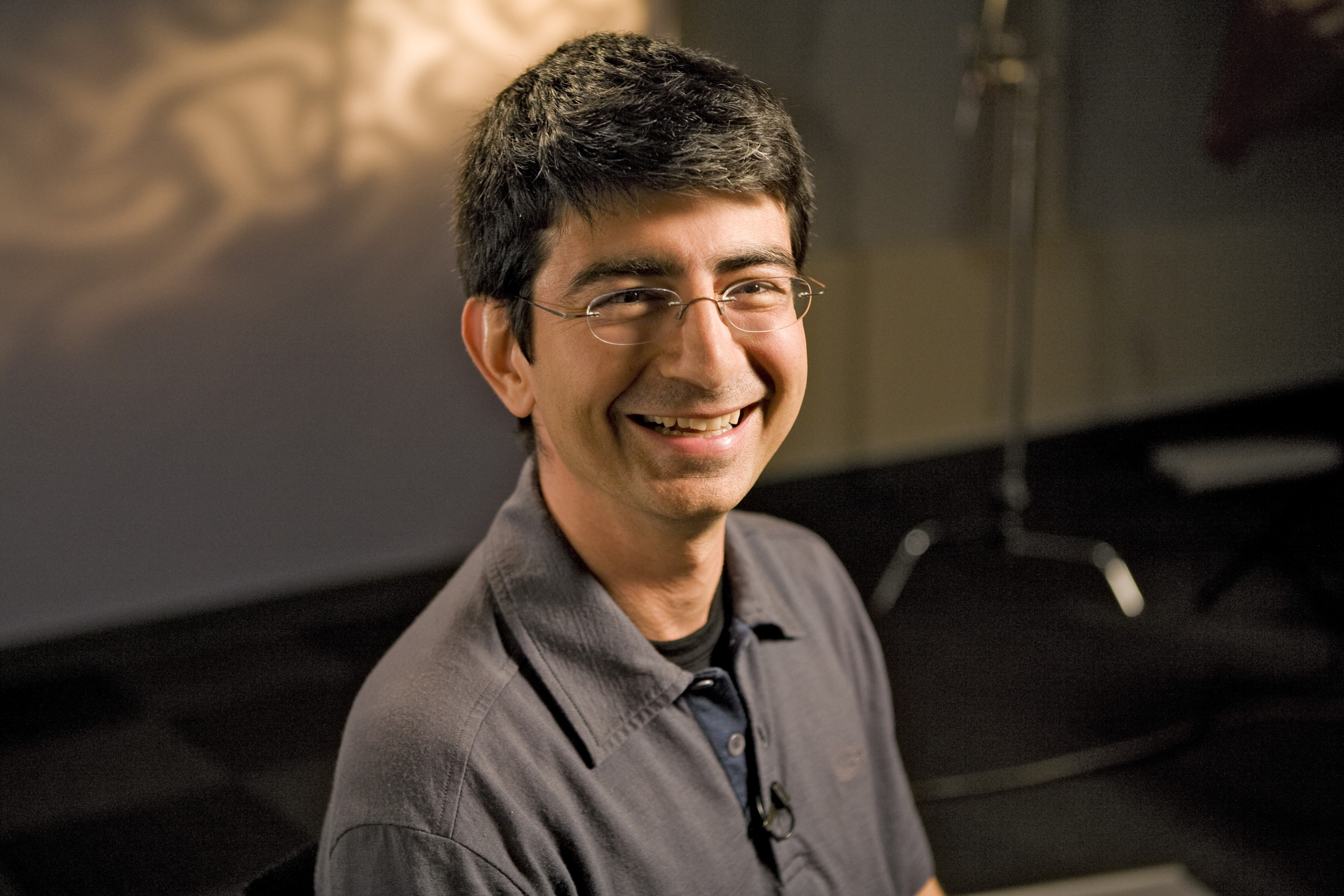 Lessons of happiness of the billionaire Pierre Omidyar